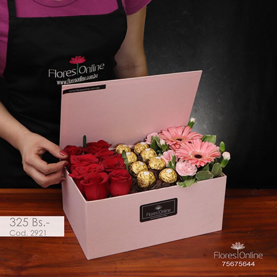 Cofre flores y Chocolates (Cod.2921)