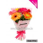 Bouquet Gerberas y Corazones (Cod.7716)